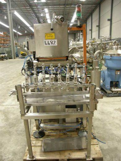 Volumetric Liquid Filler, Capacity: Approx 150ml, 8 Heads